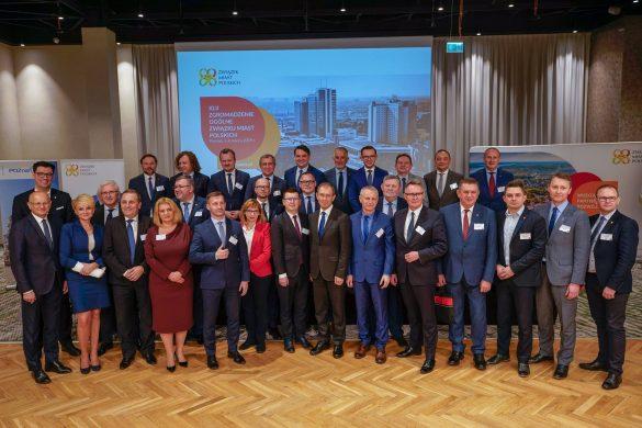 Zdjęcie grupowe samorządowców