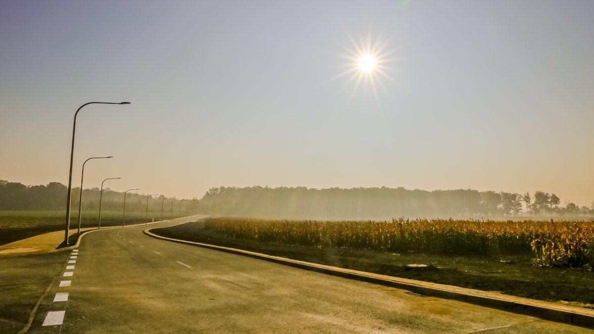 Ulica Przemysówa w promieniach zachodzącego słońca