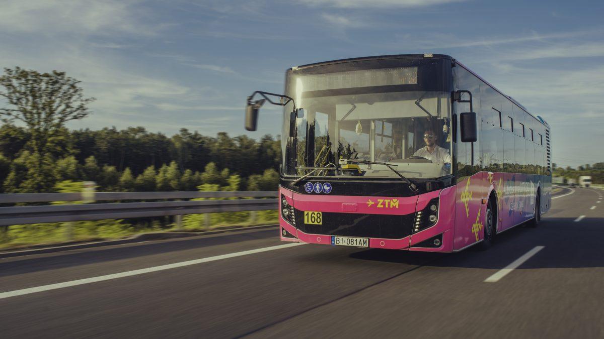 Metropolia: Autobusem na lotnisko w Pyrzowicach także z Metrobiletem