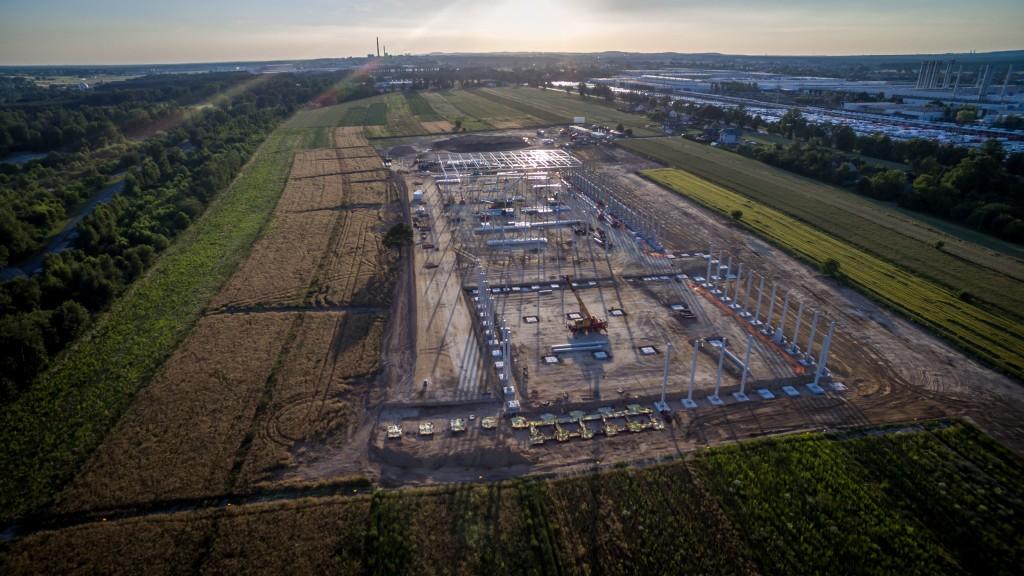 Widok z lotu ptaka na budowę centrum logistycznego