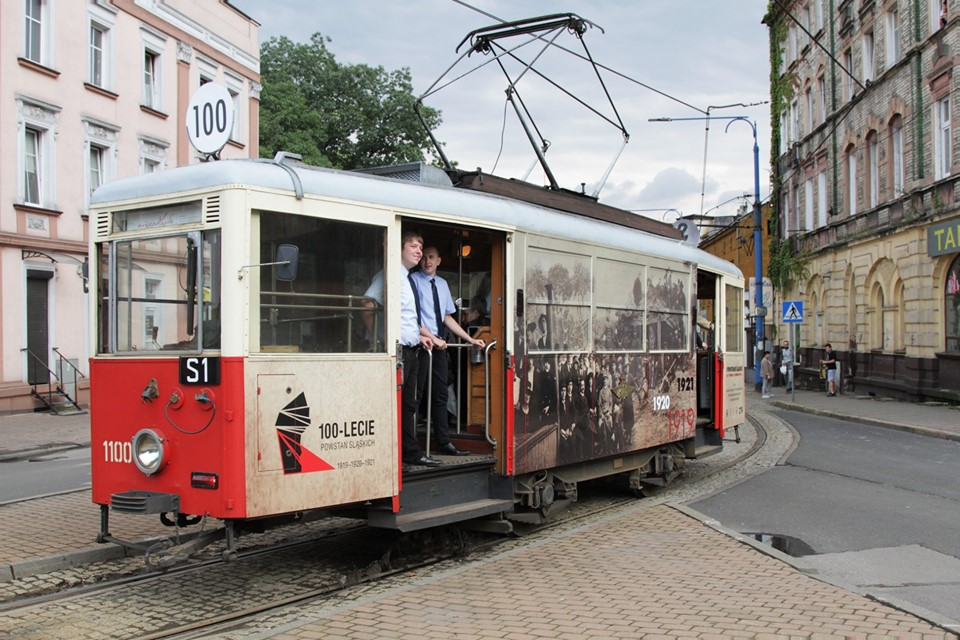 W podróż tramwajem powstańczym