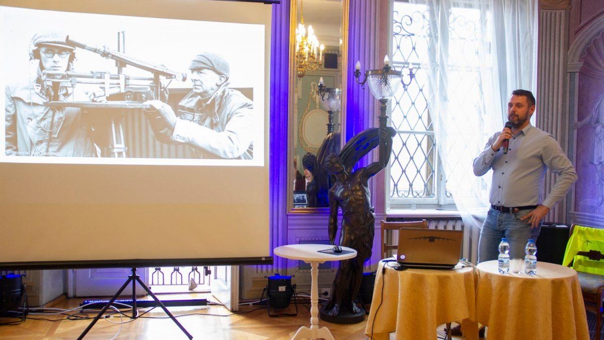 Prezentacja multimedialna nba temat lotnictwa