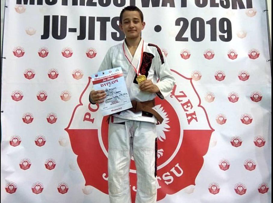 Mistrzostwa Polski w Ju-jitsu Złoty hat trick Oliwiera z Gierałtowic