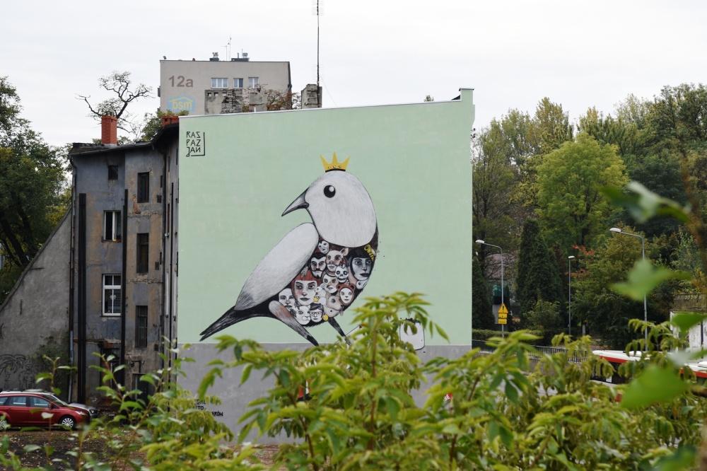 Mural Raspazjana na kamienicy