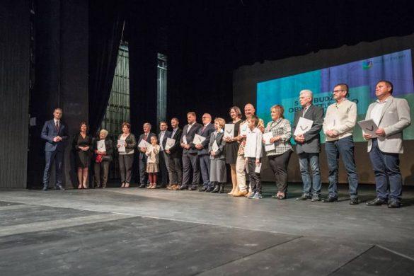 Tyscy liderzy na 5 na scenie