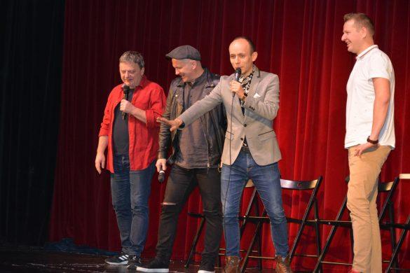 Czterej radiowcy na scenie Teatru Dzieci Zagłębia