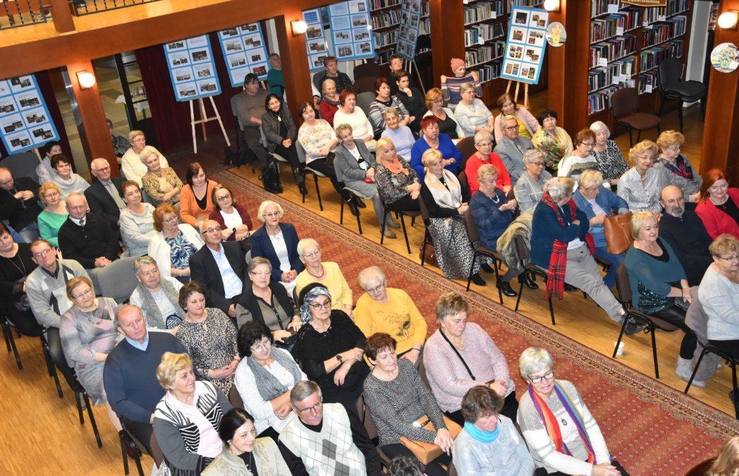 Miejska Biblioteka Publiczna wczoraj i dziś – 70 lat z Czytelnikiem