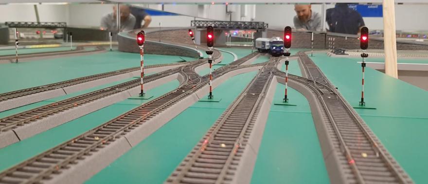 Makieta do symulacji ruchu kolejowego