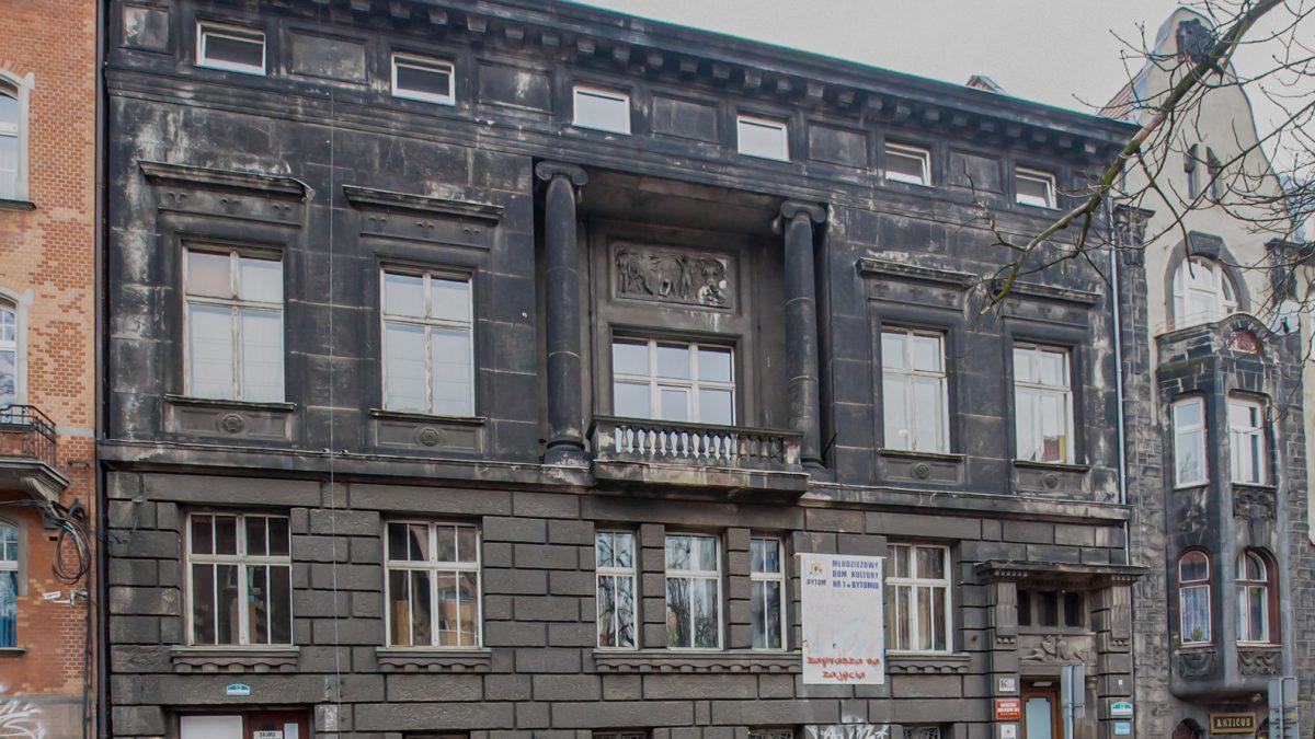 Rewitalizacja Bytomia trwa: umowa na renowację budynku MDK nr 1 podpisana