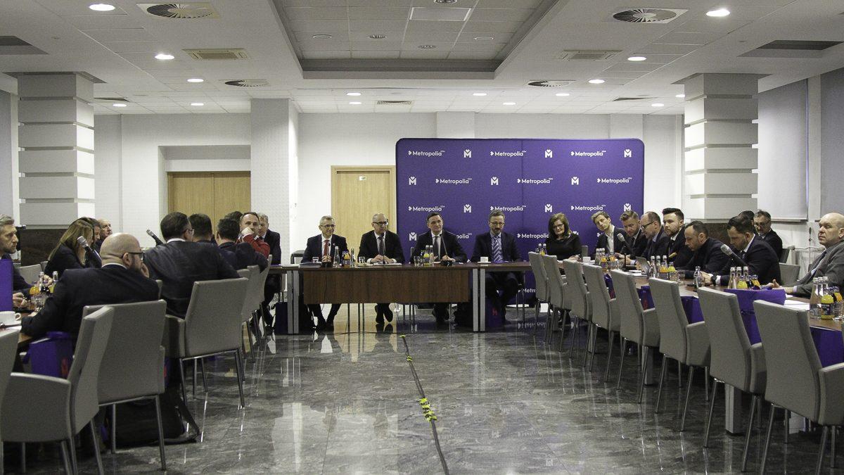 Metropolia dzieli się wiedzą z samorządowcami i parlamentarzystami z różnych stron Polski