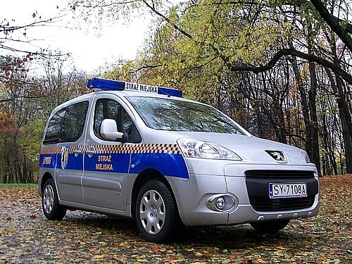 Policja i straż miejska ostrzegają przez megafony