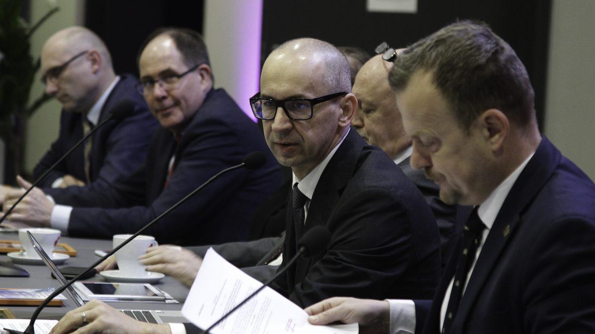 AKTUALIZACJA: 9 mln zł na walkę z koronawirusem. Zarząd GZM przyjął uchwały