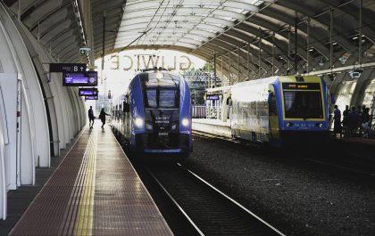 Dworzec PKP w Gliwicach. Perony