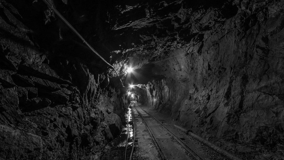 Tunel w kopalni