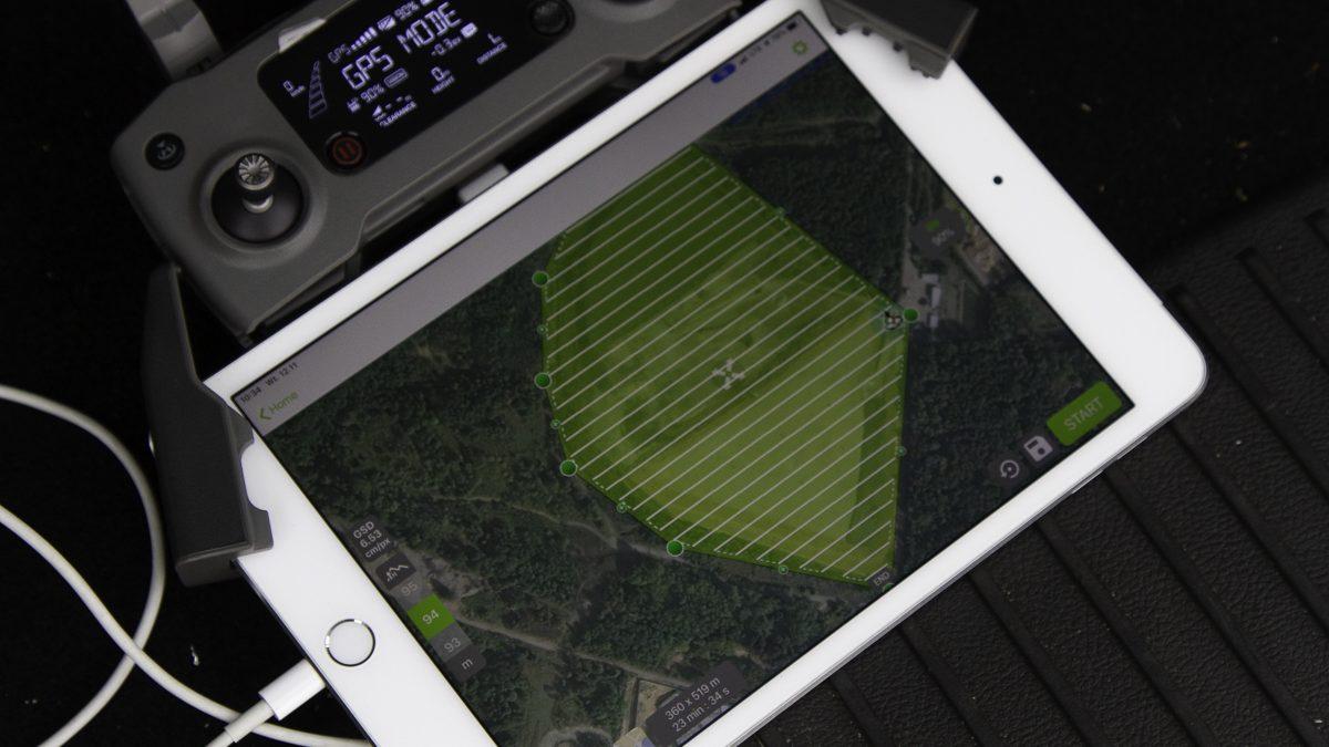Plan terenu na laptopie
