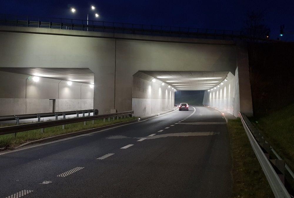 droga z tunelem
