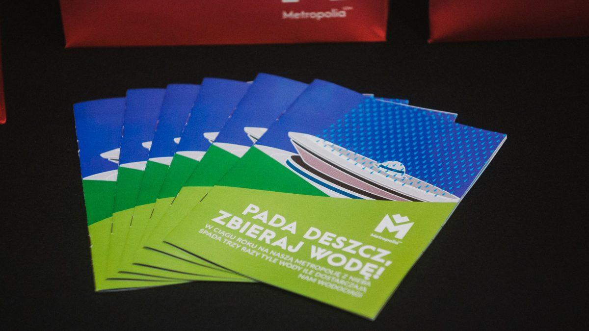 Kilka egzemplarzy broszury