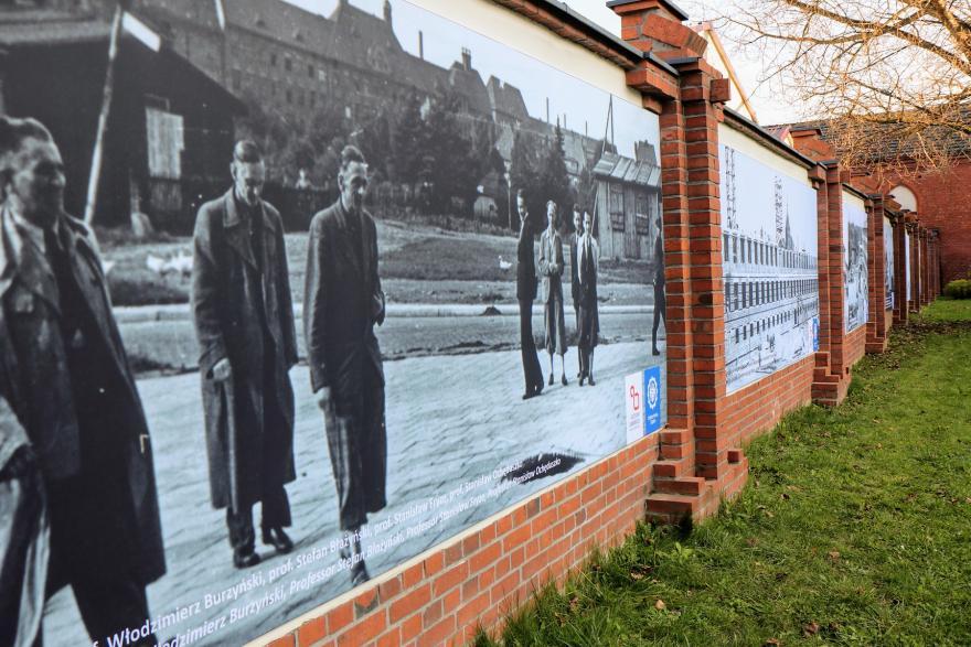 Murale na ogrodzeniu