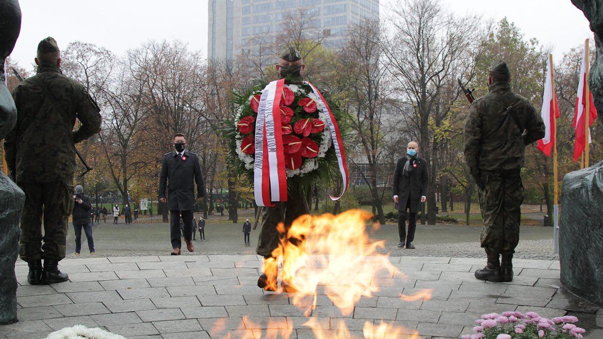 Złożenie wieńców pod Pomnikiem Powstańcó Śląskich