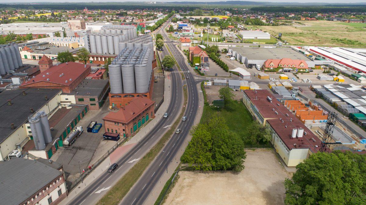 Widok na układ drogowy koło browarów tyskich