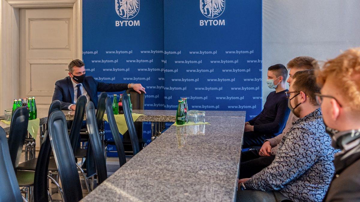 Spotkanie prezydenta z młodymi radnymi