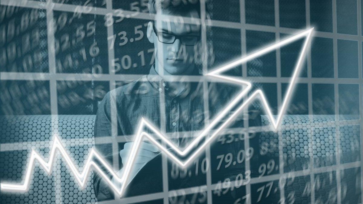 Grafika przedstawiająca krzywą wzrostu ekonomicznego