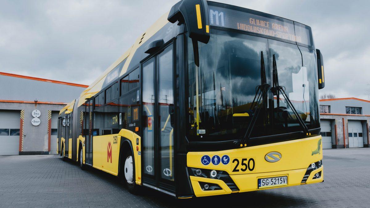 Autobus M1