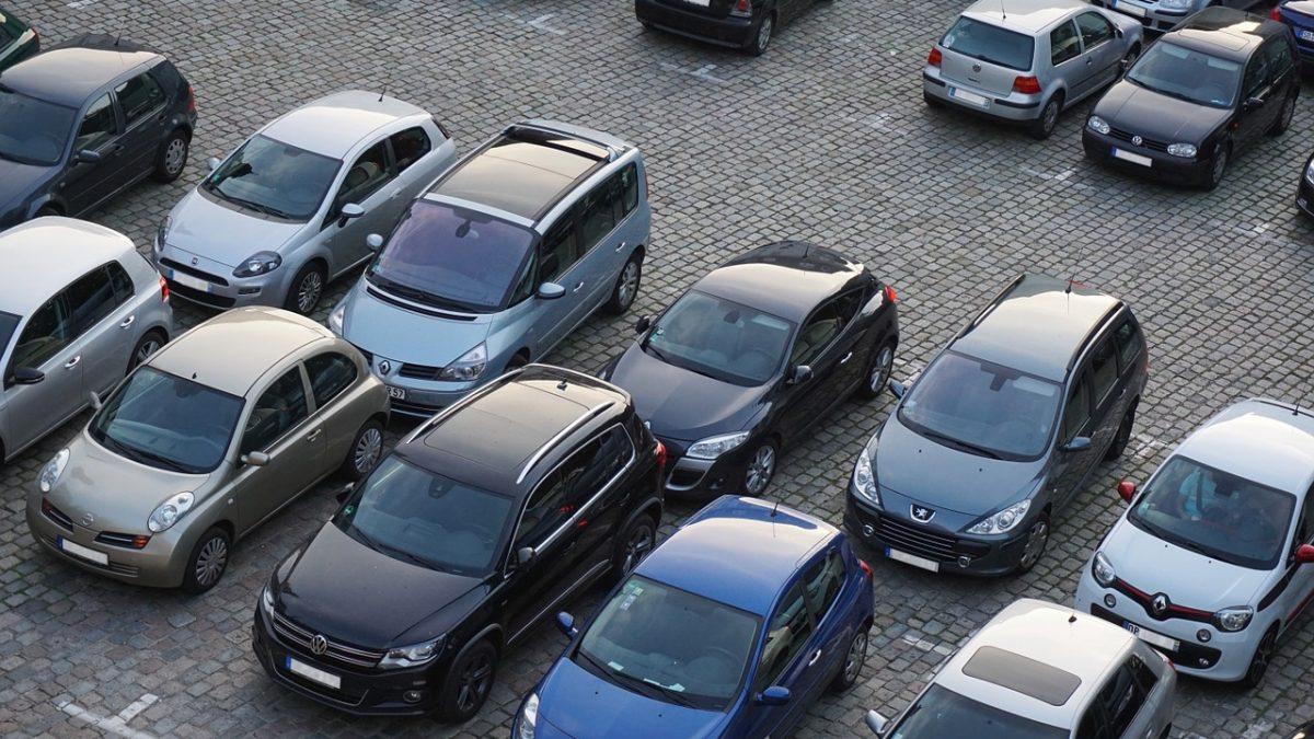 Widok na parking z góry