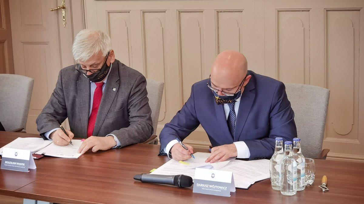Przedstawiciele spółki Tramwaje Śląskie i Miasta Mysłowice podpisali umowę