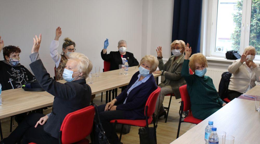 Rada Seniorów podczas głosowania
