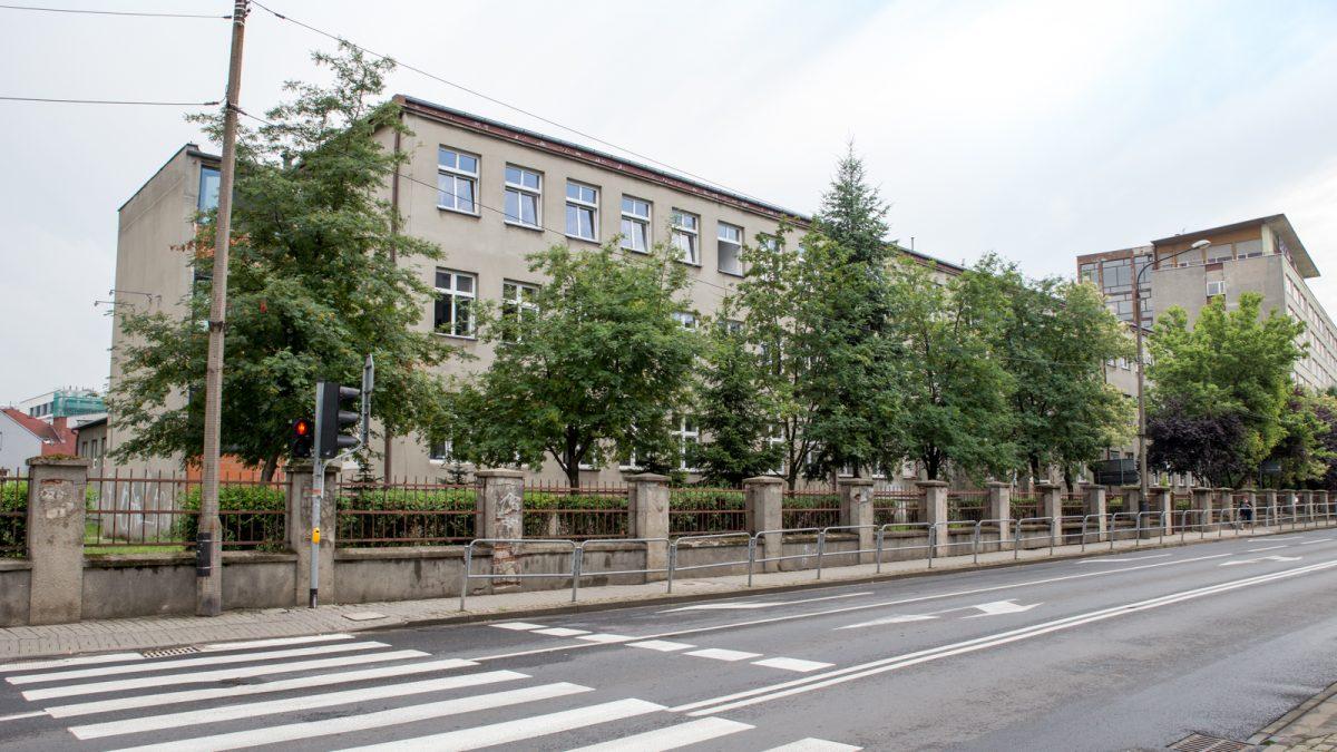 Budynek szkoły podstawowej
