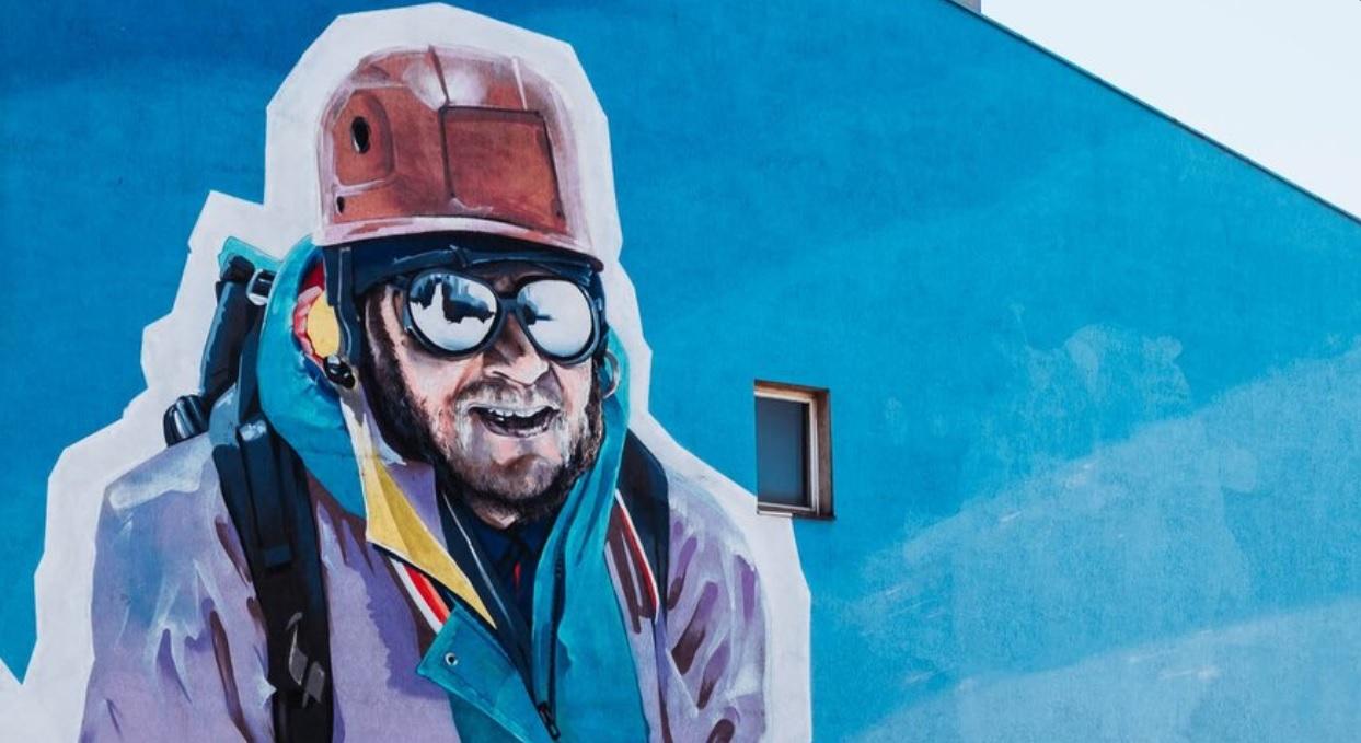 Mural przedstawiający Jerzego Kukuczkę