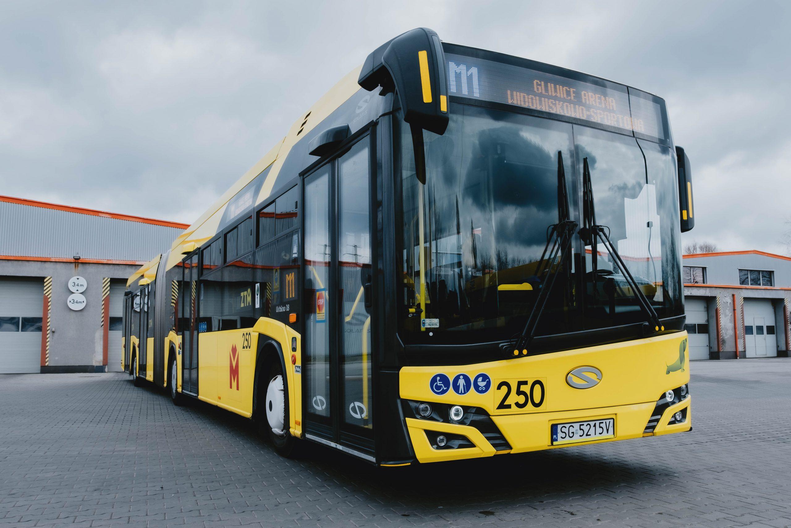 Autobus o oznaczeniu M1